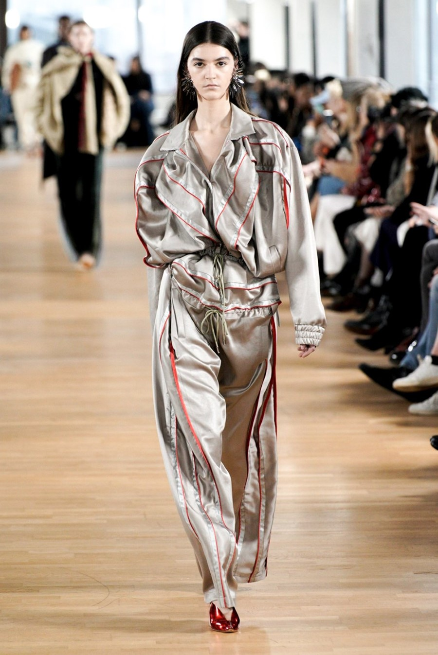 Y/Project - Fall Winter 2020 - Paris Fashion WeekY/Project - Fall Winter 2020 - Paris Fashion Week
