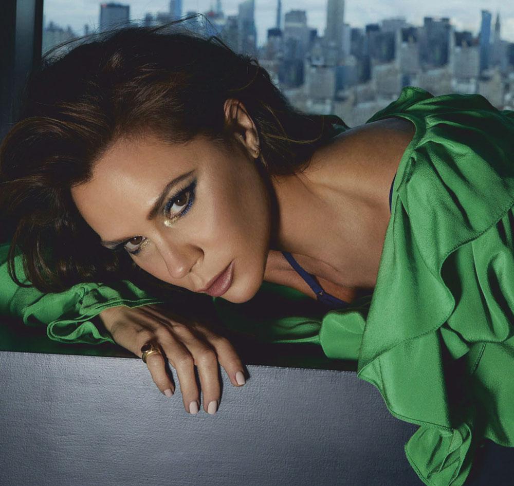 Victoria Beckham covers Vogue Belleza Mexico & Latin America April 2020 by An Le