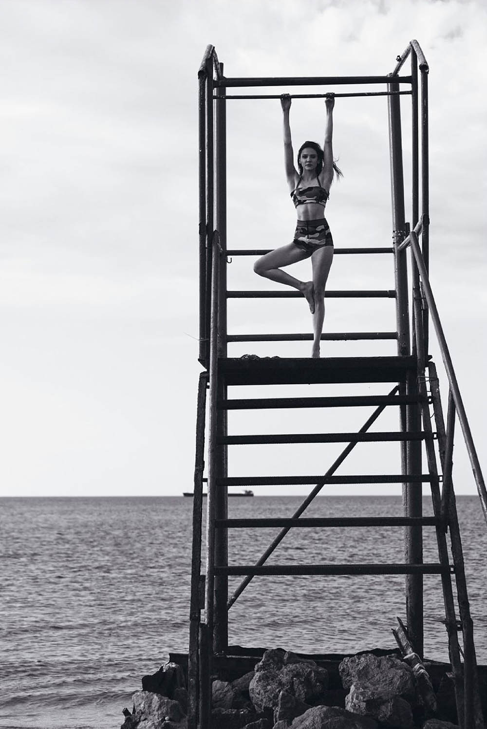 Alina Boz covers Elle Turkey June 2020 by Onur Dağ