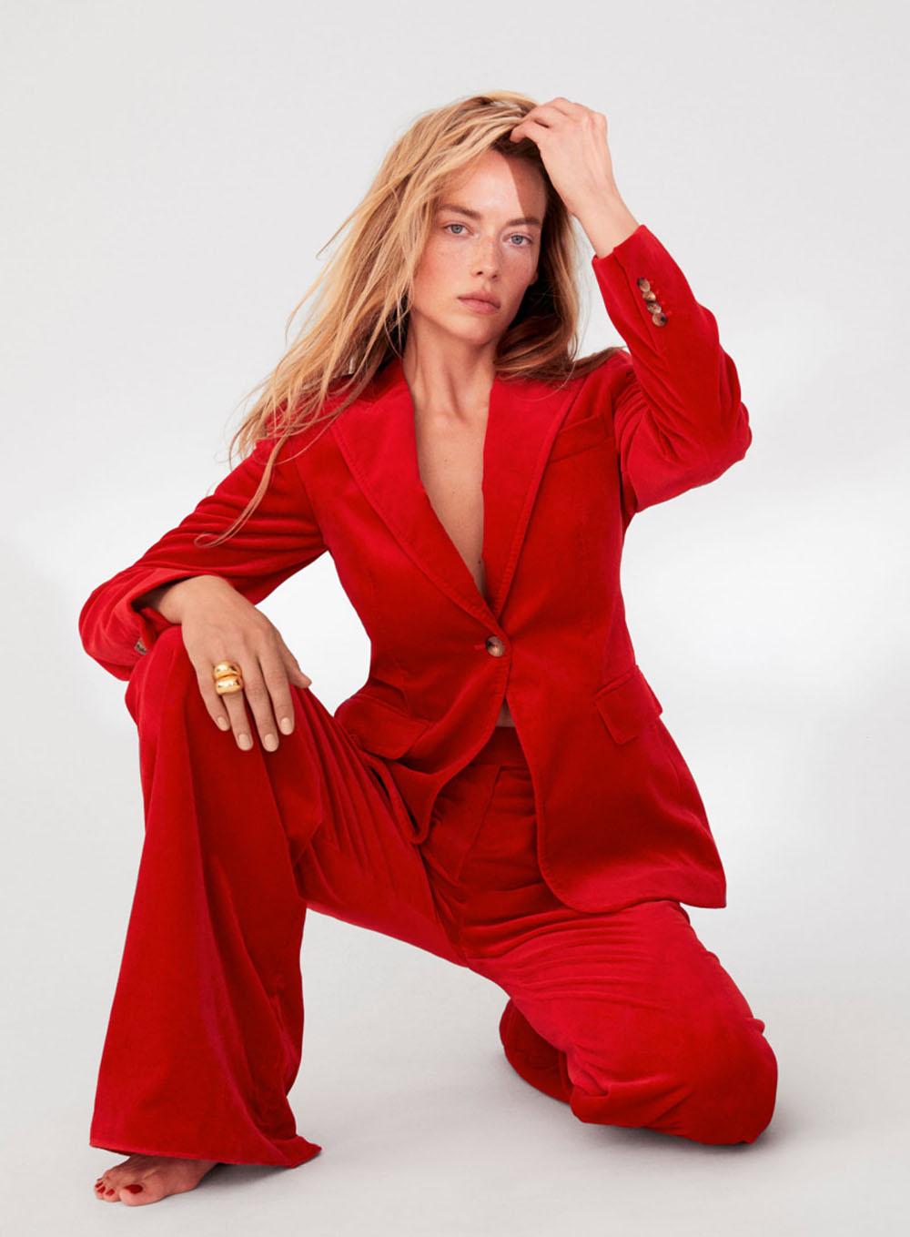 Hannah Ferguson by Carin Backoff for Elle US Summer 2020