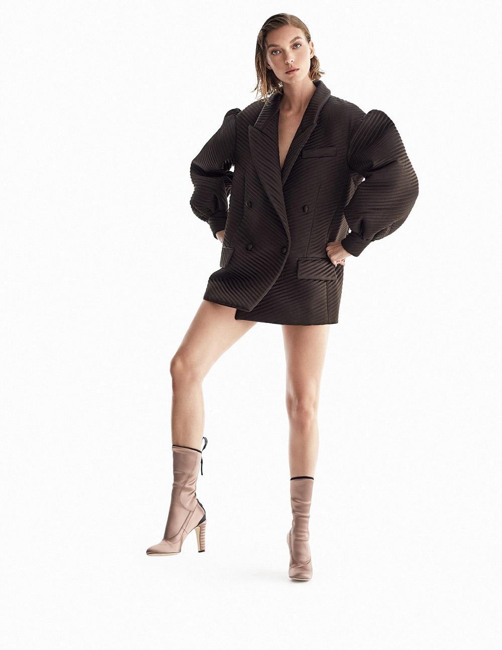 Arizona Muse covers Harper's Bazaar Spain September 2020 by Xavi Gordo