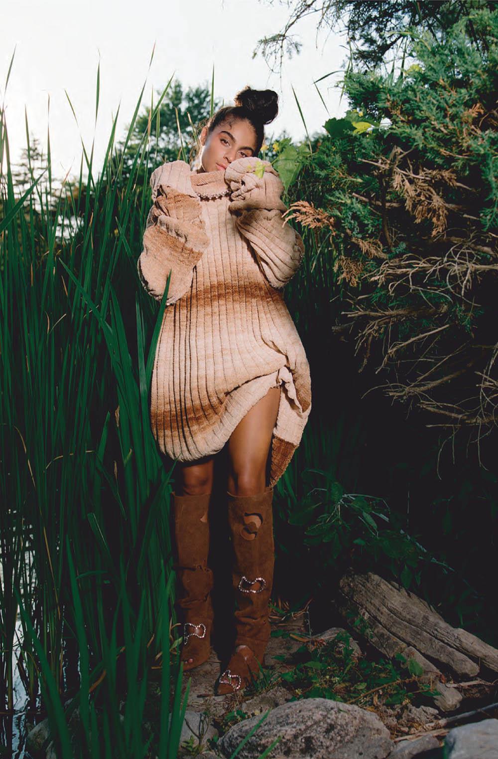 Jessie Reyez covers Elle Canada September 2020 by Leeor Wild
