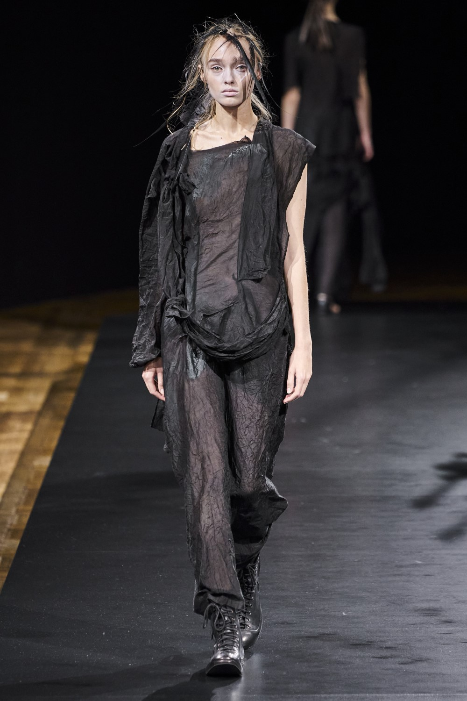 Yohji Yamamoto - Spring-Summer 2021 - Paris Fashion Week