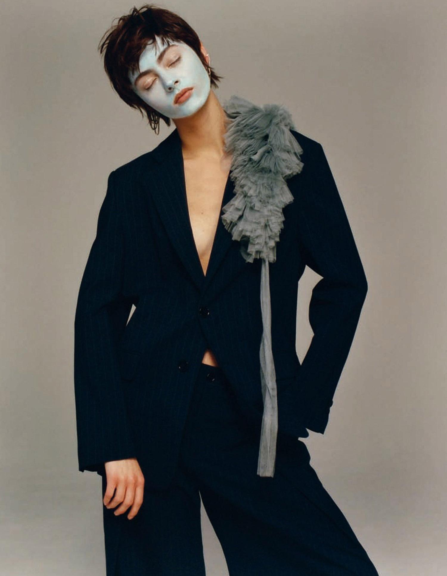 Patrycja Piekarska by Allyssa Heuze for Vogue China January 2021