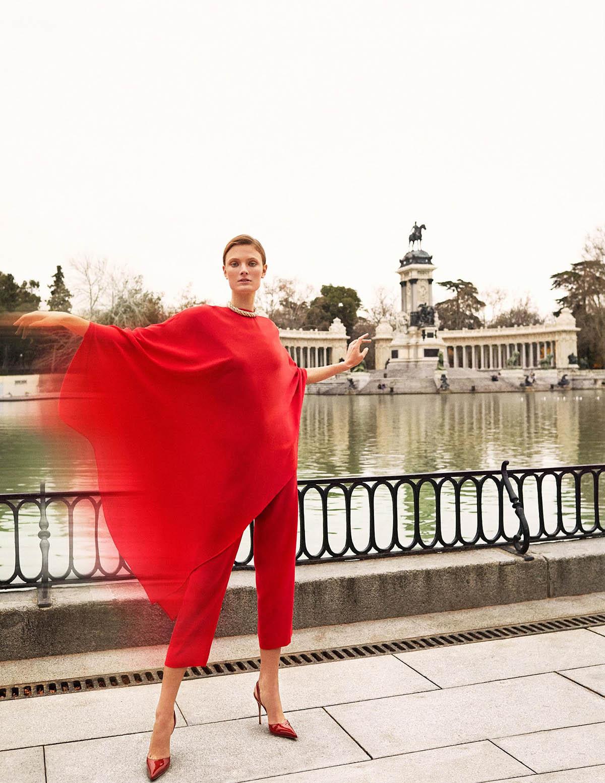 Constance Jablonski covers Harper's Bazaar Spain February 2021 by Xavi Gordo