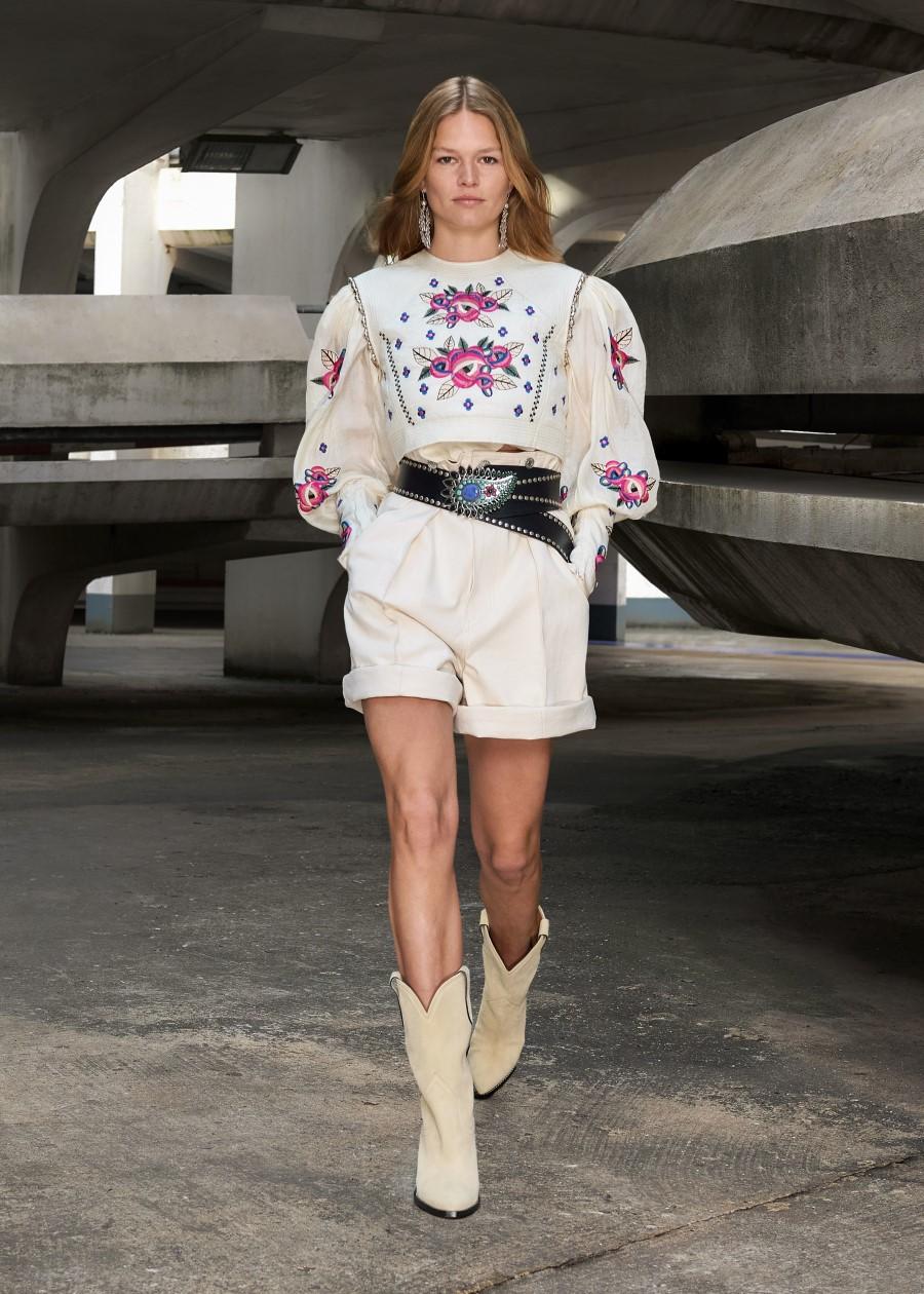 Isabel Marant Fall Winter 2021 - Paris Fashion WeekIsabel Marant Fall Winter 2021 - Paris Fashion Week