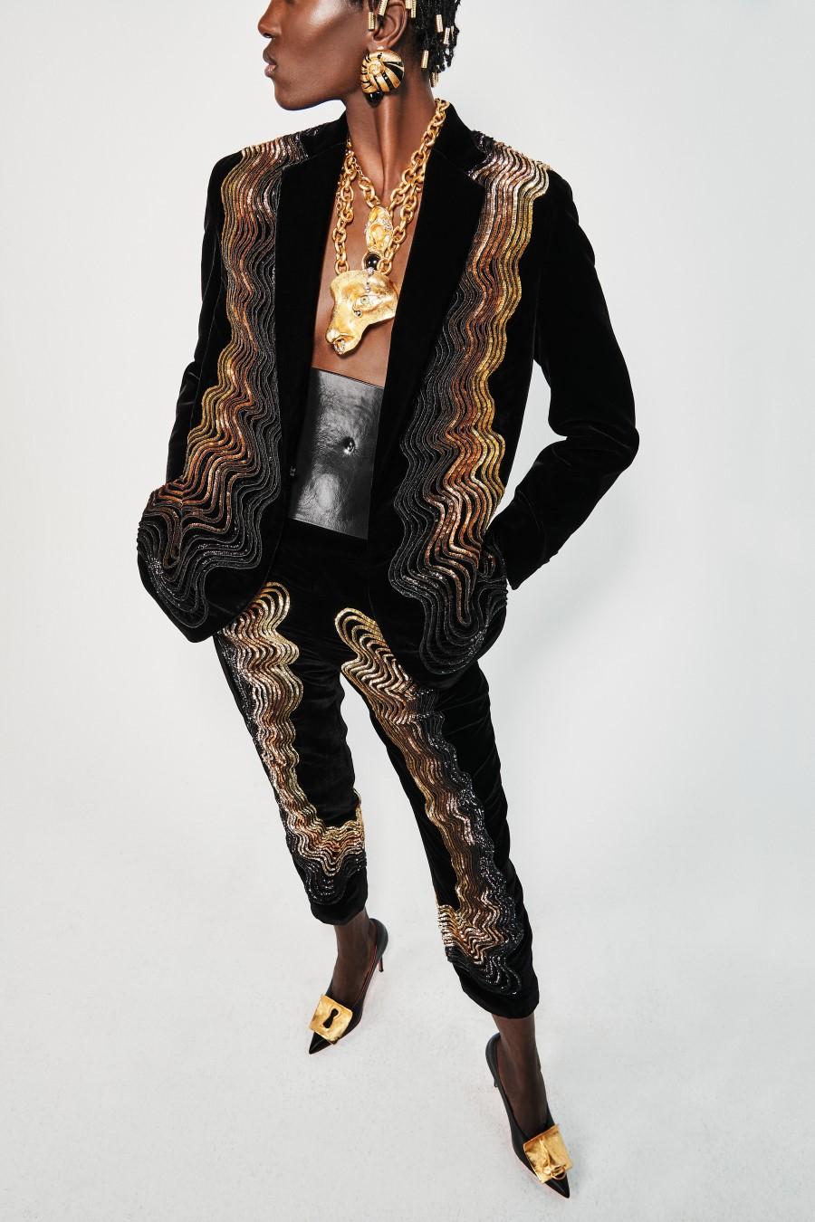 Schiaparelli Fall Winter 2021 - Paris Fashion Week
