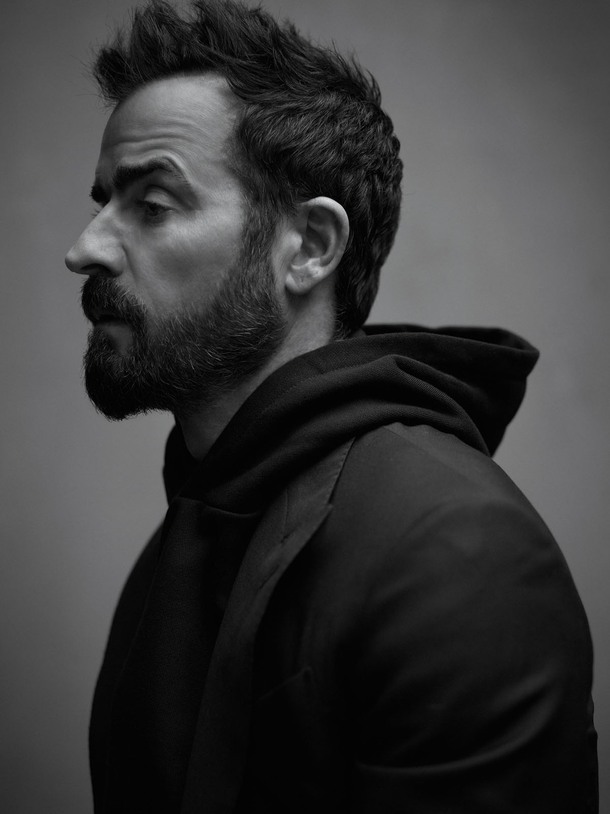 Justin Theroux covers Esquire US April May 2021 by Mark Seliger
