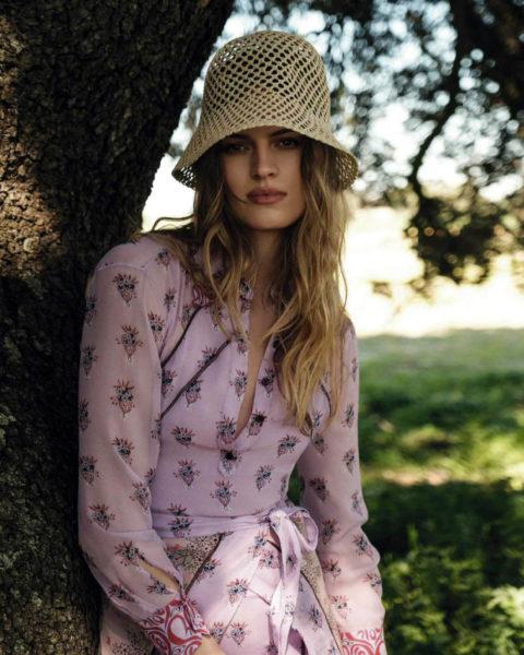 Sophia Roetz by Juankr for Elle Spain May 2021