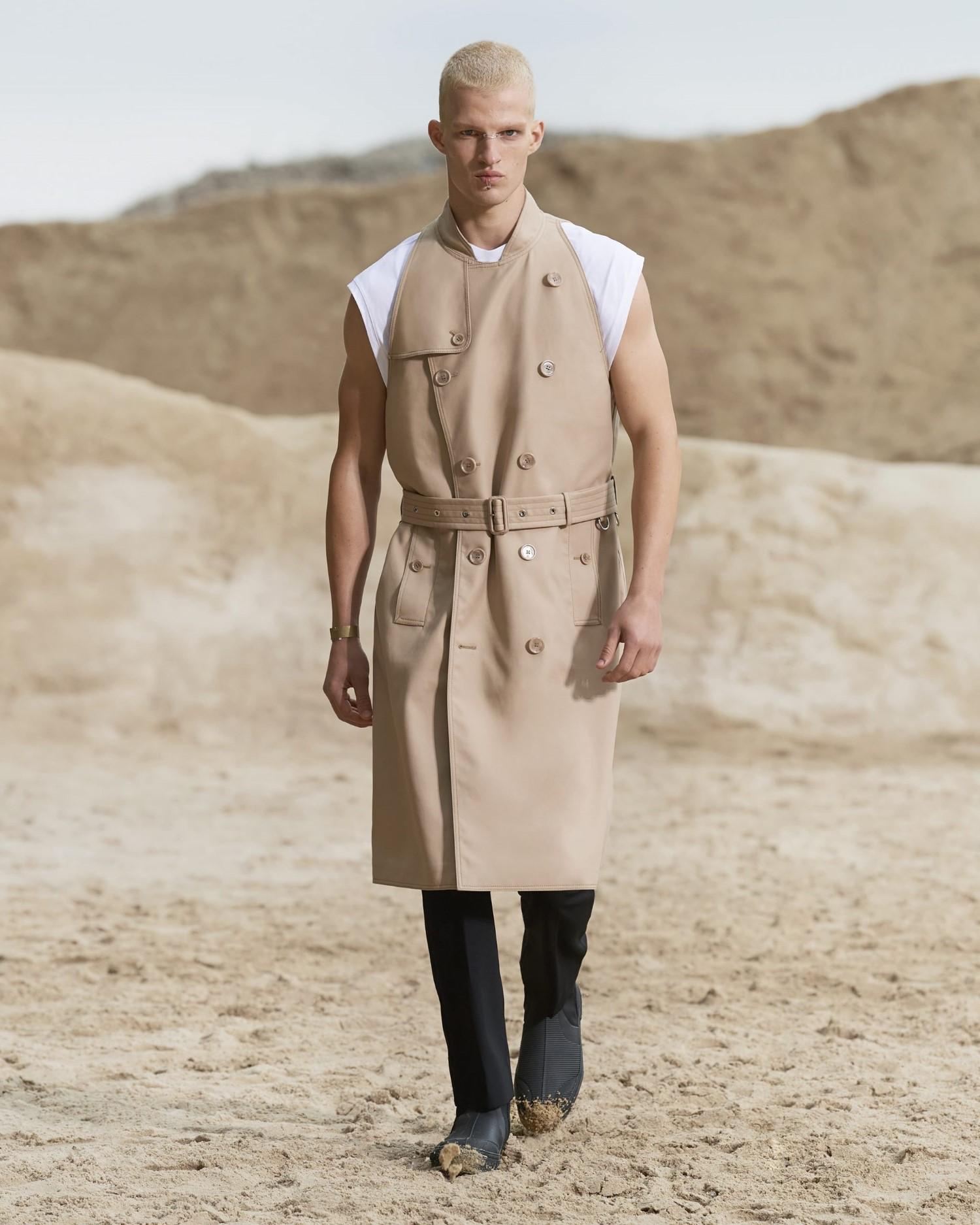Burberry Spring Summer 2022 - Paris Fashion Week Men's