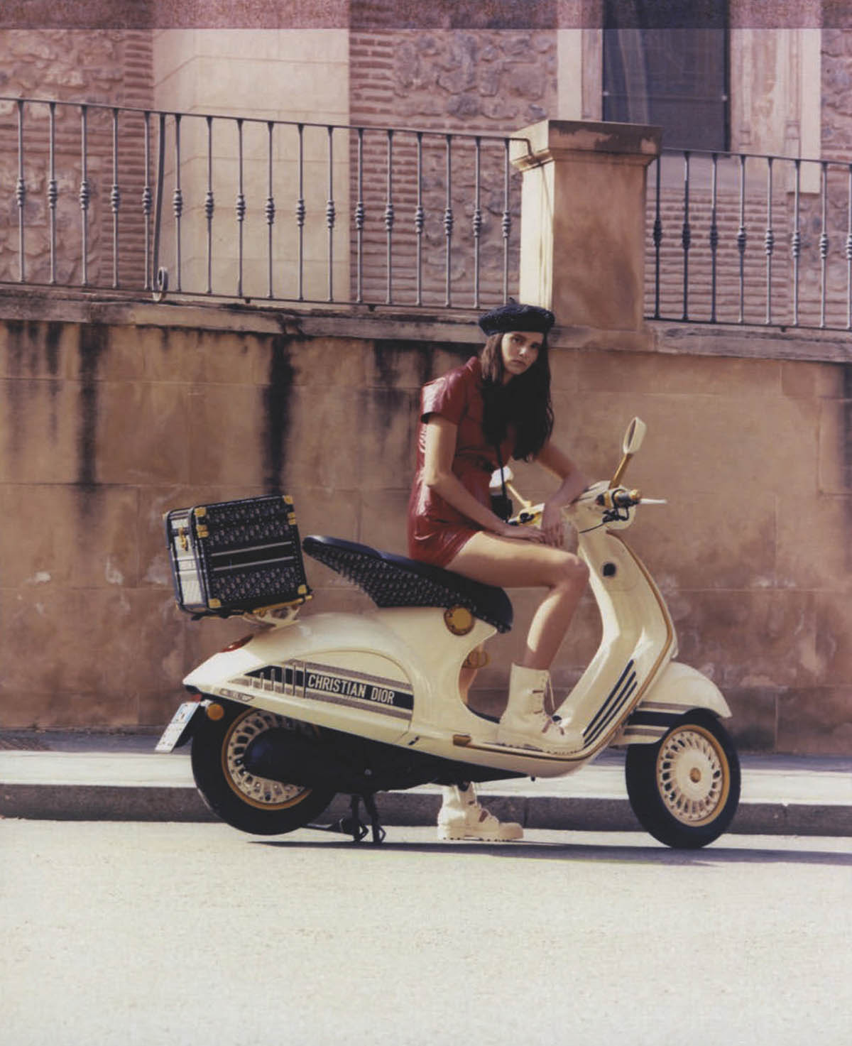 Eloïse Cloes by Virgili Jubero for Glamour Spain June July 2021