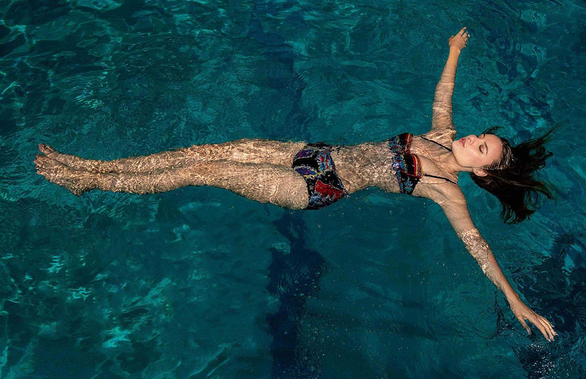 Lena Simonne covers Elle France June 11th, 2021 by Gilles Bensimon