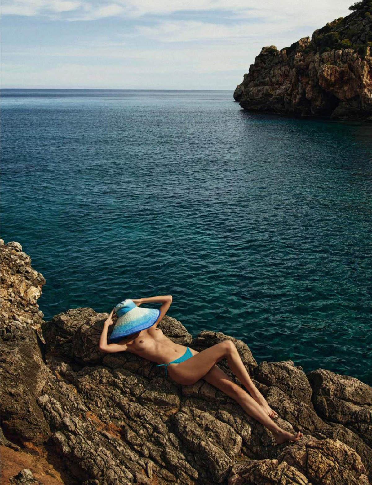 Nuria Rothschild by Javier Lopez for Elle Spain June 2021