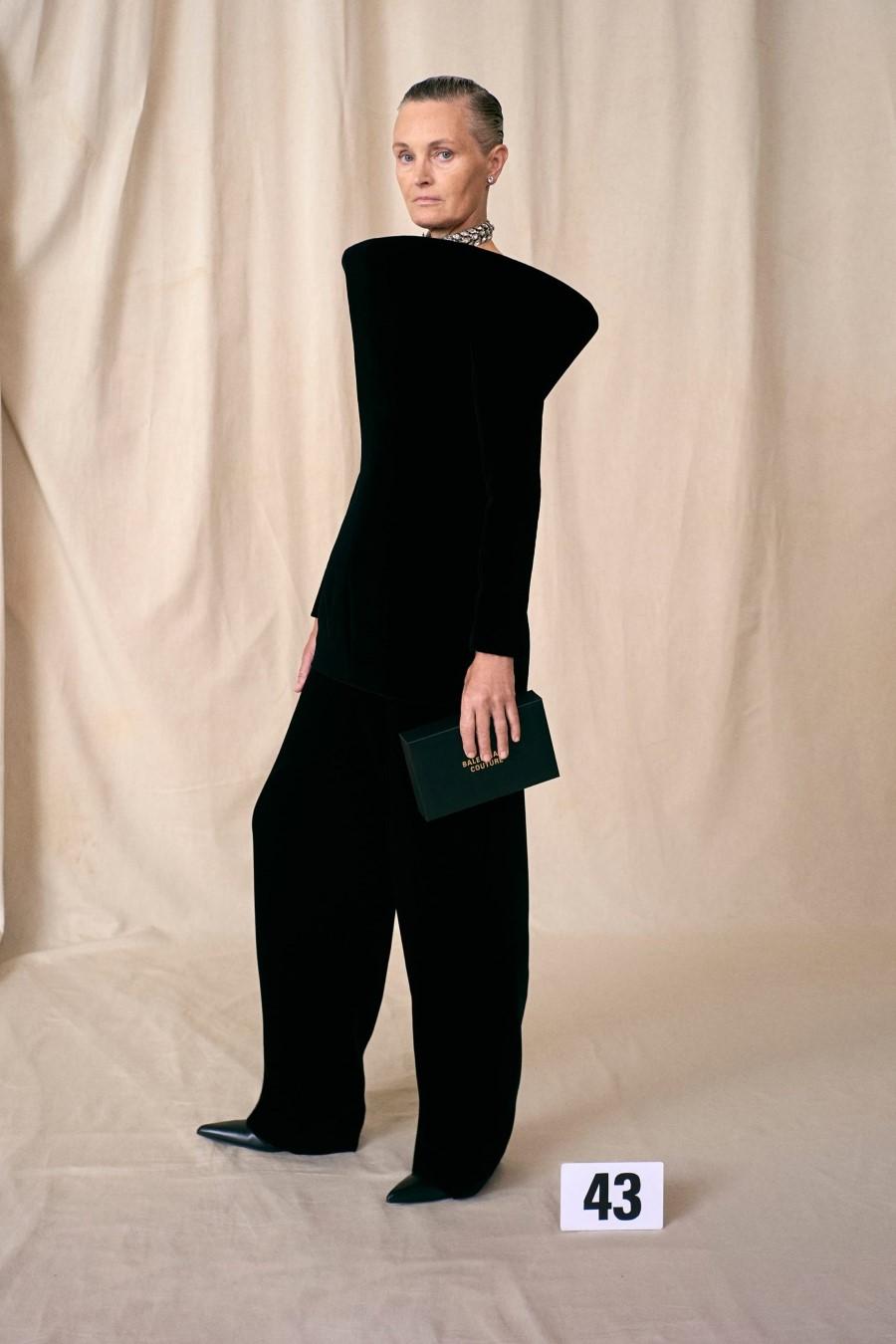 Balenciaga Haute Couture Fall Winter 2021
