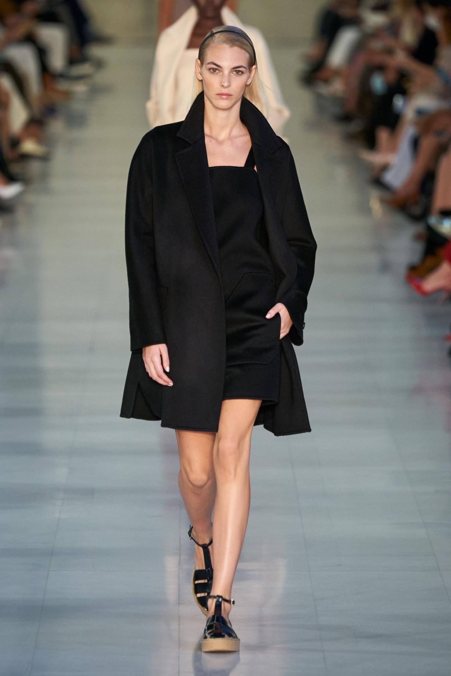Max Mara Spring Summer 2022 - Milan Fashion Week