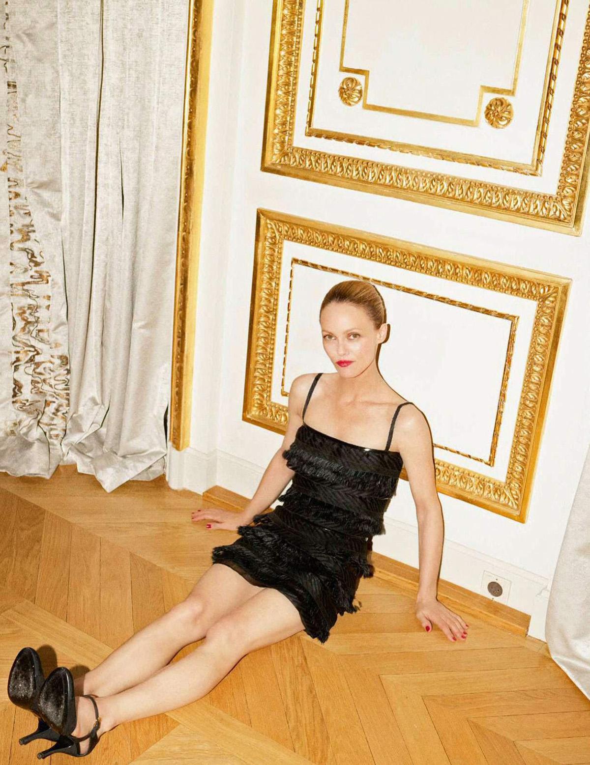 Vanessa Paradis covers Elle France September 10th, 2021 by Karim Sadli