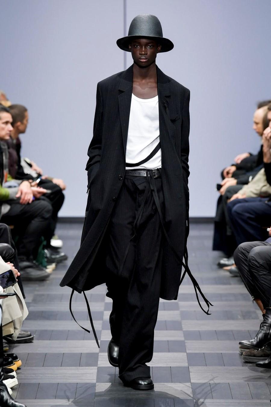 Ann Demeulemeester Spring Summer 2022 - Paris Fashion Week