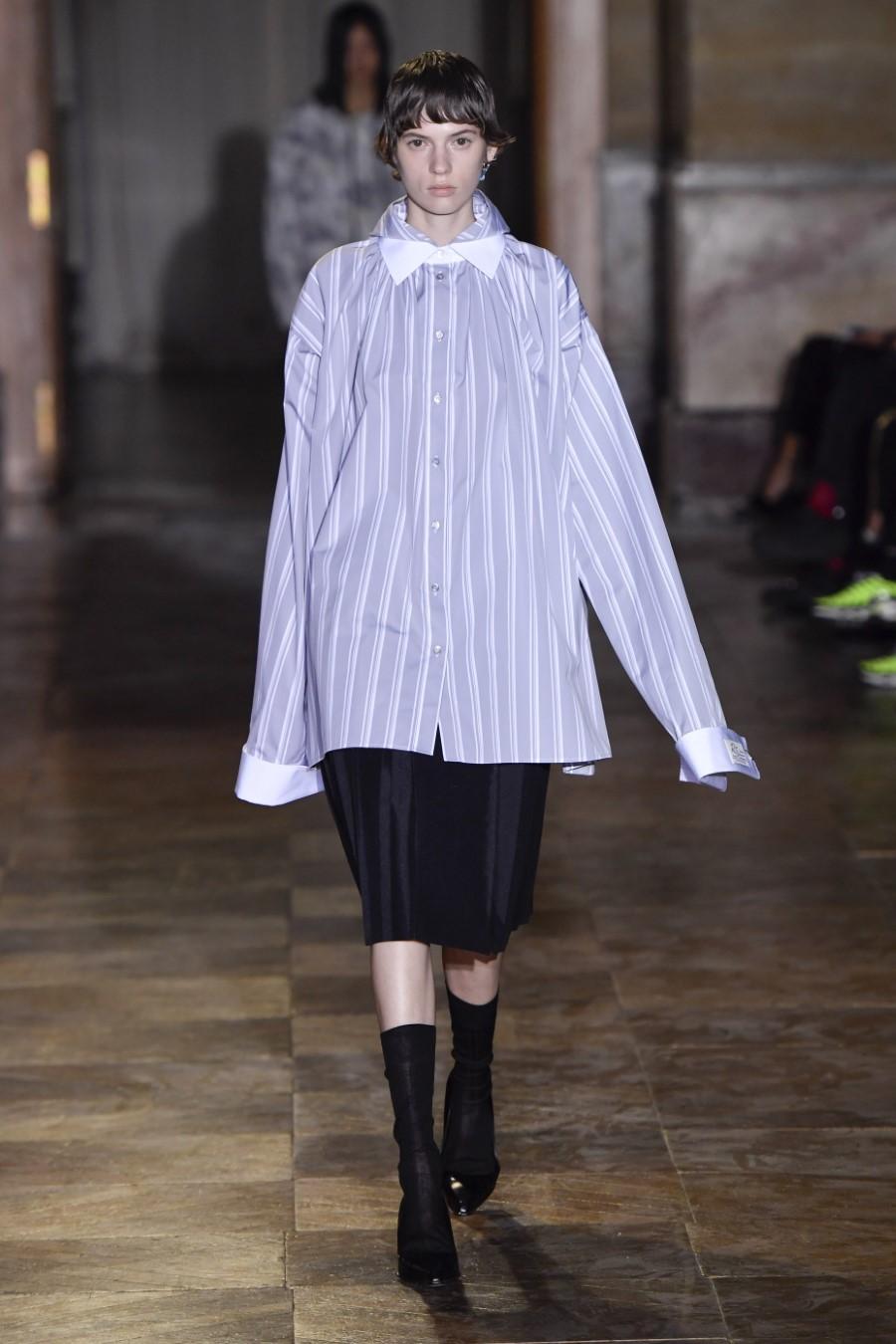 Raf Simons Spring Summer 2022 - Paris Fashion Week