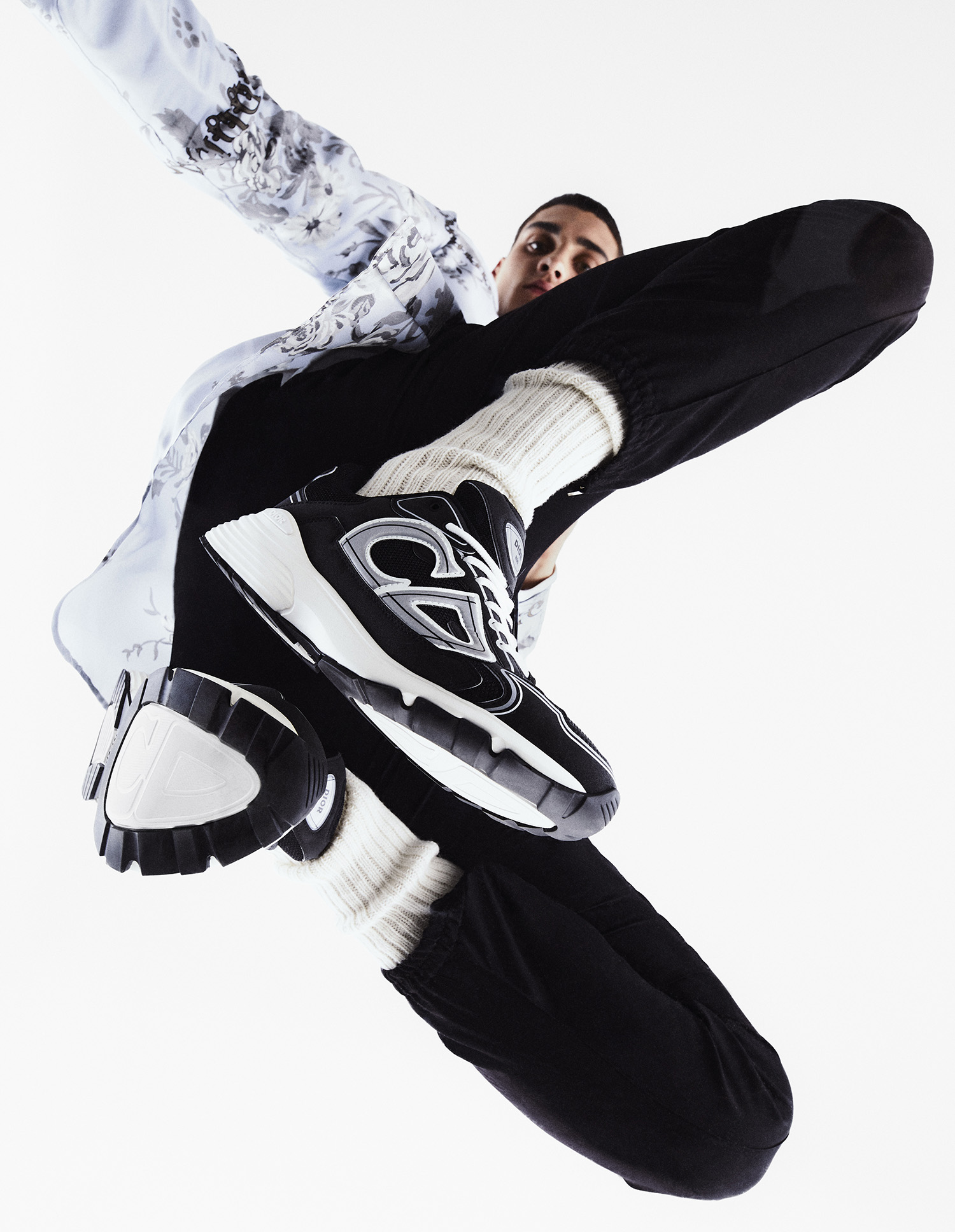 The new Dior B30 sneakers by Kim Jones
